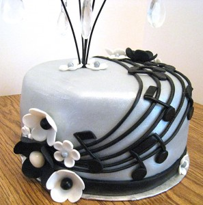music-cake-closeup