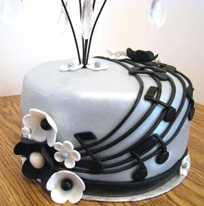 music-cake-closeup