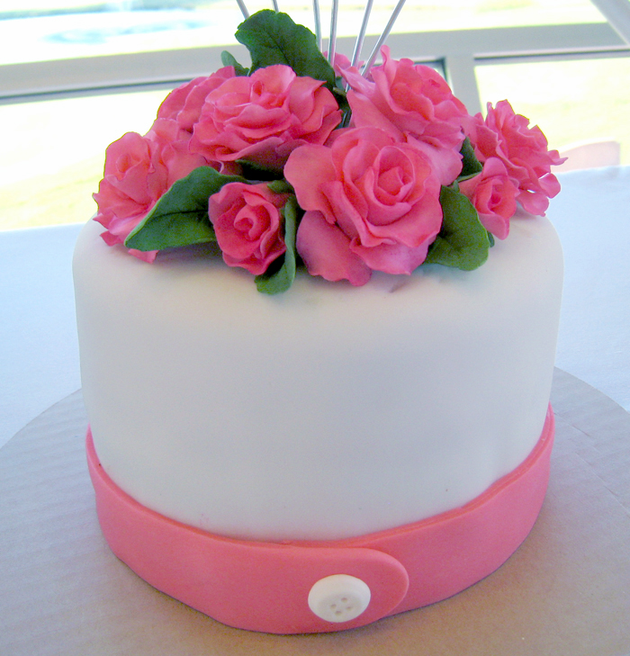 Cake Images Rose : Silent Auction Cakes A Creative Touch