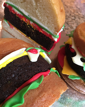 Yum… Hamburger Cake!