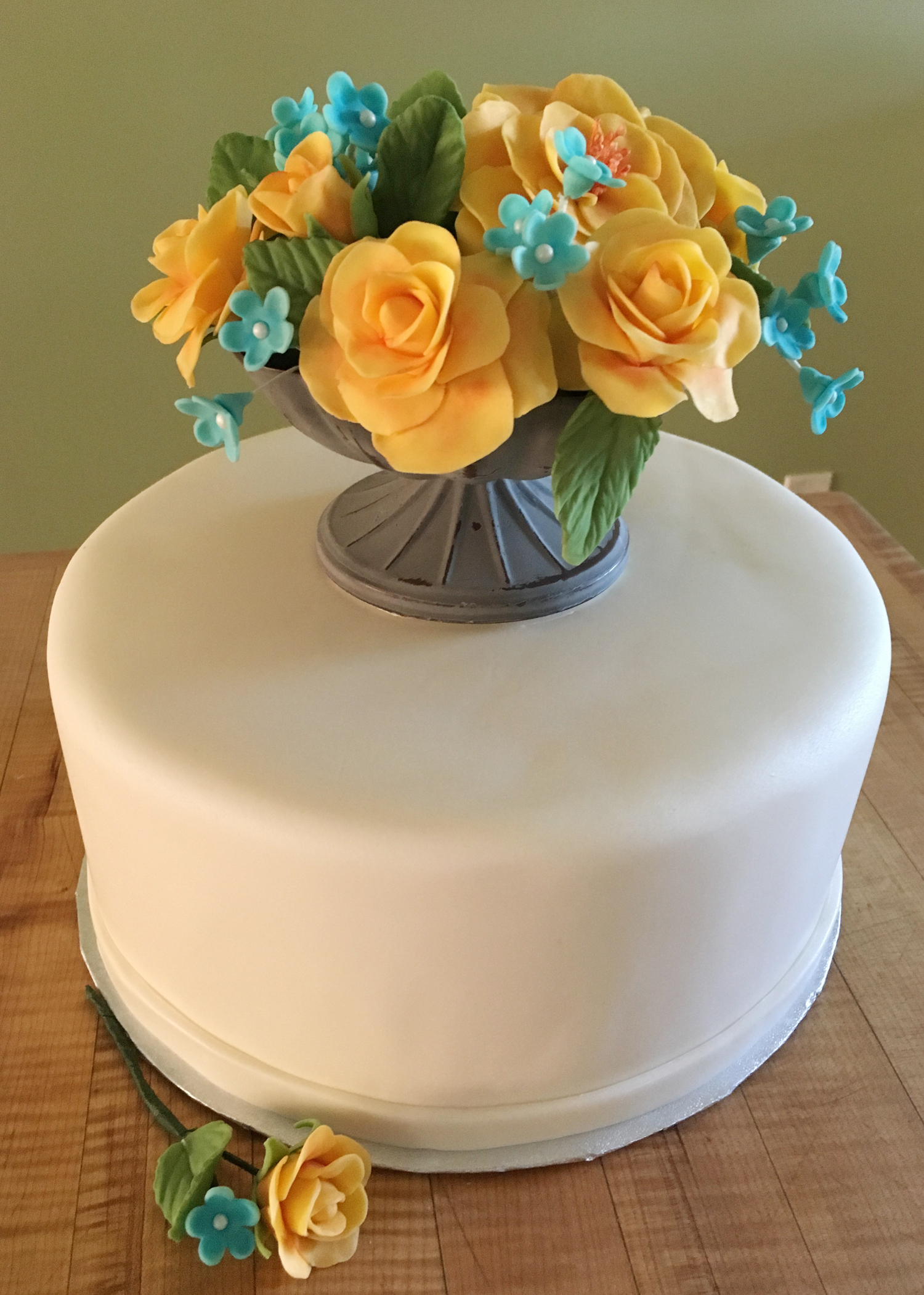 Beautiful Floral Bridal Shower Cake